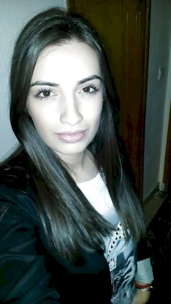 Adoptez une femme d'origine arabe sexy