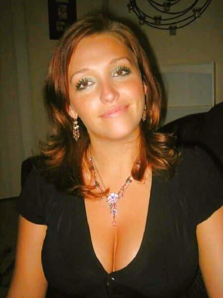 Belle femme salope qui cherche unevraie rencontre pour une nuit