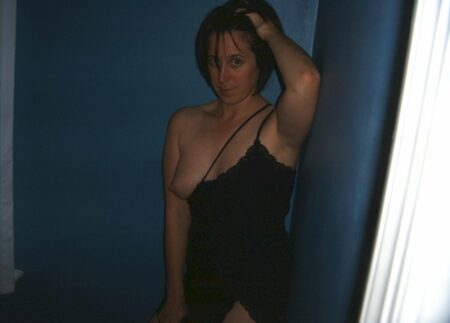 Femme infidèle sexy soumise pour coquin domi dispo