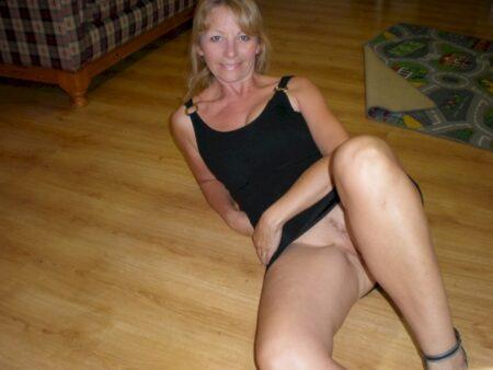 Passez un weekend chaud avec une femme mature coquine